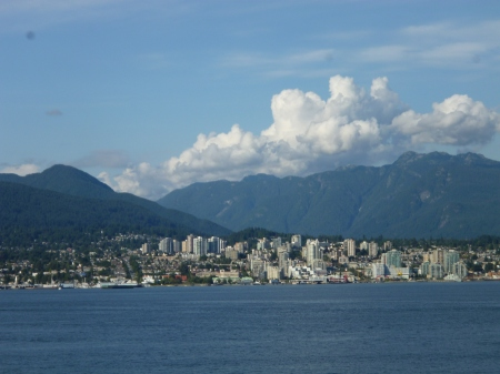 Vancouver with its mountains