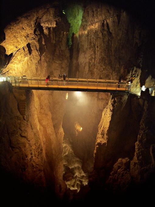 ?kocjan Caves(Slovenia)